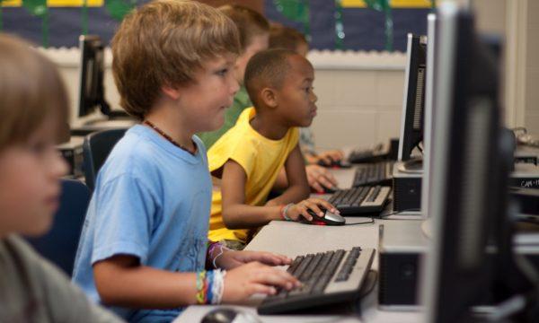 Neue Herausforderung: Schule Online